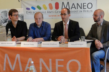 16 May 2013: Press conference at MANEO. Pictured, from left to right, are Moritz Konradi (MANEO), Bastian Finke (MANEO), State Secretary for Justice Alexander Straßmeir and Harald Kröger, contact partner for same-sex lifestyles at Berlin Police. Photo © MANEO.